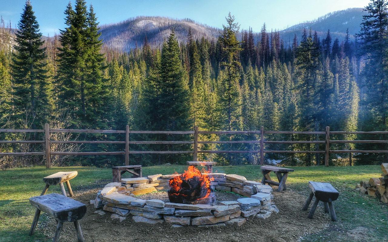 Campfire at Lochsa Lodge